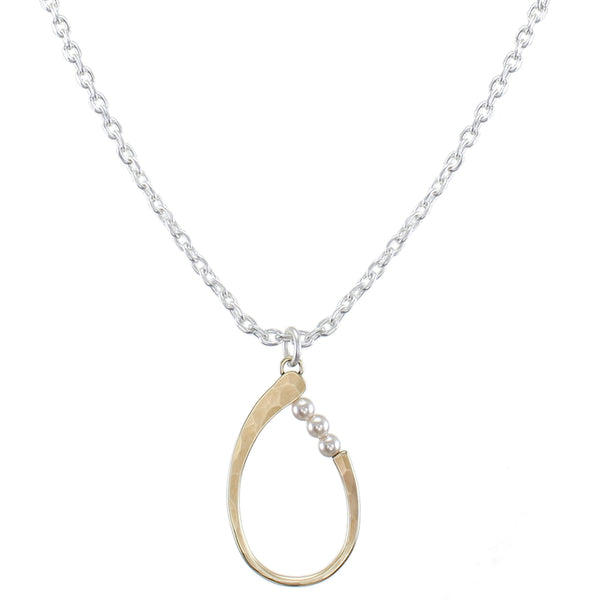 Oval Ring with Cream Pearls Necklace