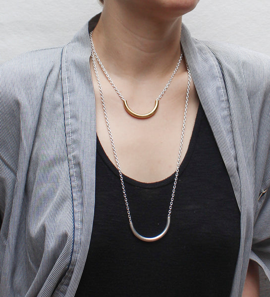 Long Curved Tube on Link Chain Necklace