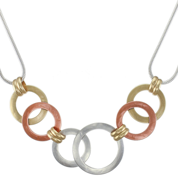 Linked Rings on Double Loops of Snake Chain Necklace