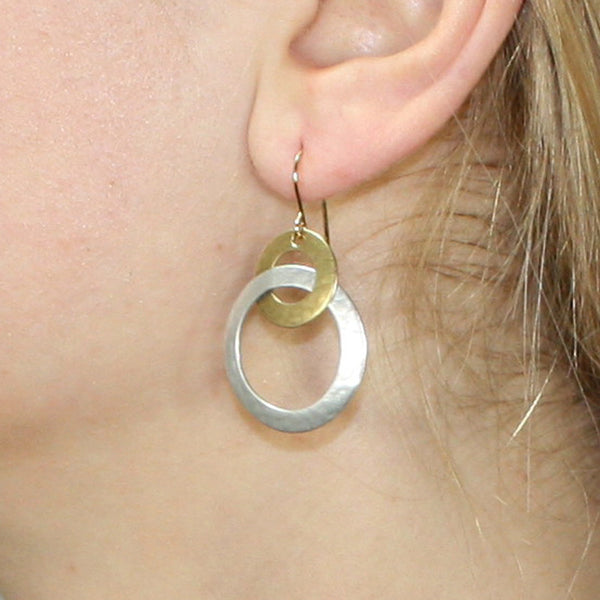 Intertwined Ring Earring