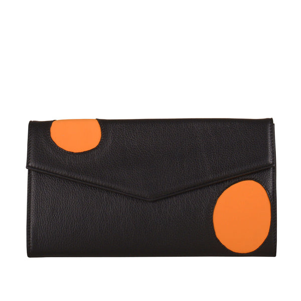 Welcomecompanions Classic Clutch in Black