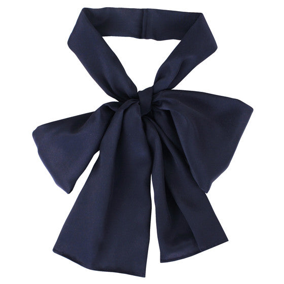 Welcomecompanions Silk Bow in Navy