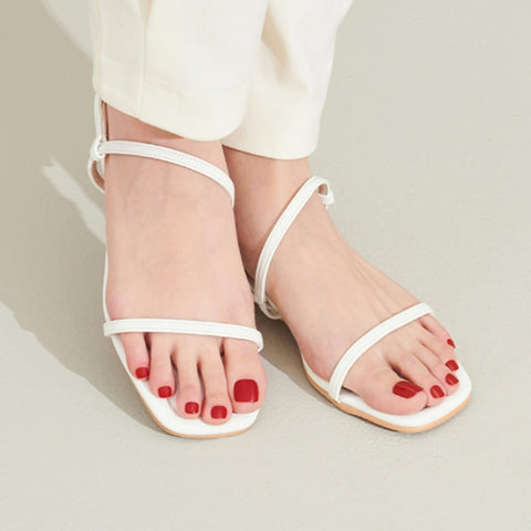 Dashing Diva - Magic Press Candy Red Pedicure