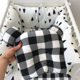 Cotton Handmade 4-Piece Bedding Set in White/Black