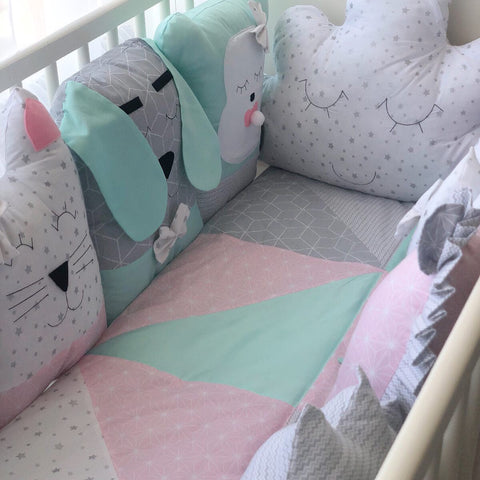 Funny Animals Handmade 4-Piece Bedding Set in Menthol/Pink