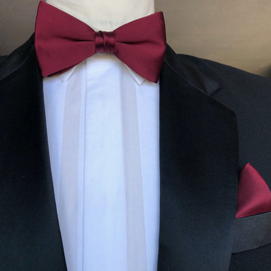 Burgundy silk Bow tie with Burgundy silk Pocket square by German Valdivia