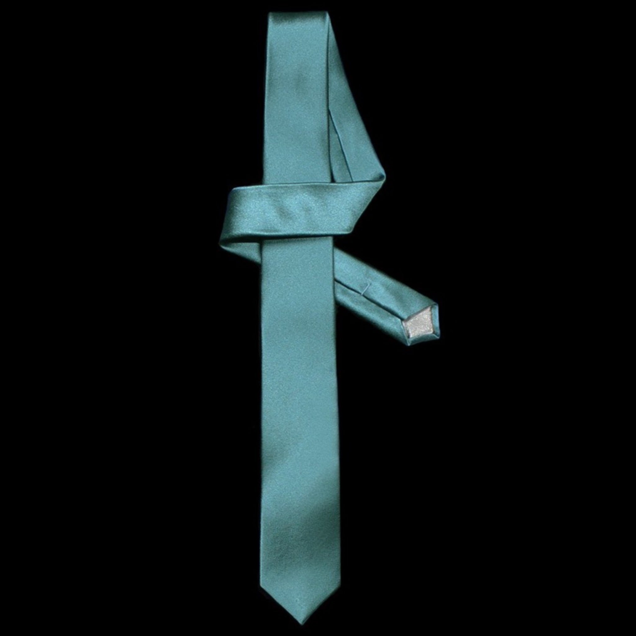 Aqua green silk skinny tie by designer German Valdivia