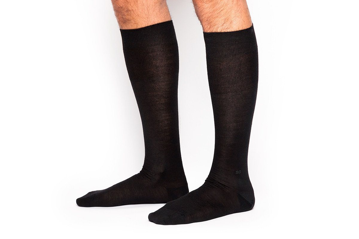 ALTHA CASHMERE BLACK SOCKS