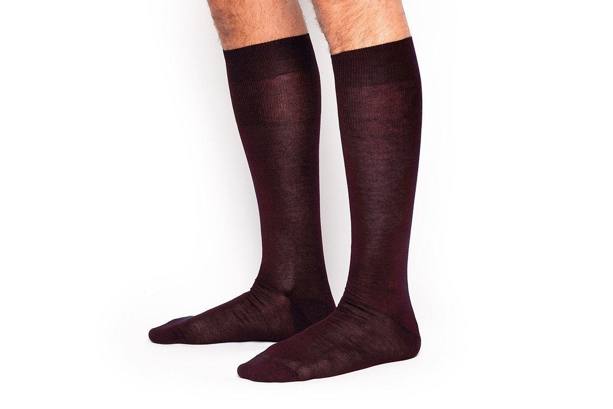 ALTHA SCOTIA BURGUNDY SOCKS
