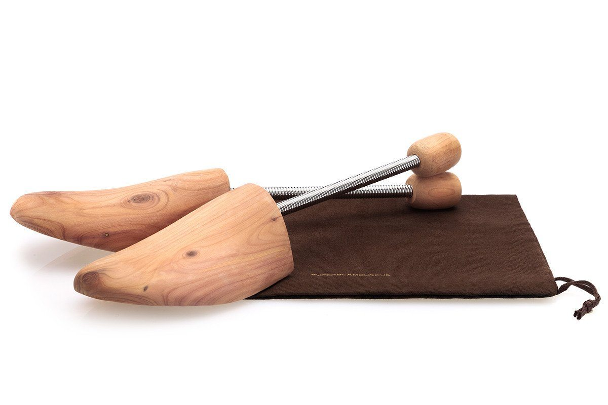 CEDAR SHOE TREES WITH SPRINGS Shoe Care Kits Superglamourous