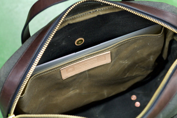 Standard Briefcase in Heavy Olive Waxed Canvas/Brown Chromexcel