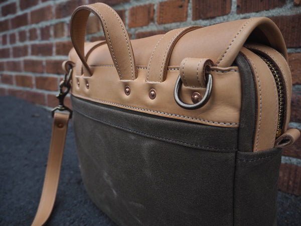 Field Bag in Natural Essex/ Ranger Tan Waxed Canvas