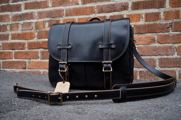 Field Bag in Black Horween Chromexcel/ Dry Wax Black Twill