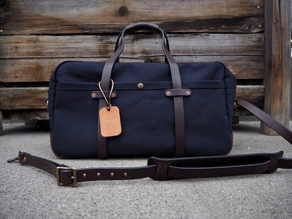 "20"" Weekender Duffle in Dry Wax Dark Navy Twill"