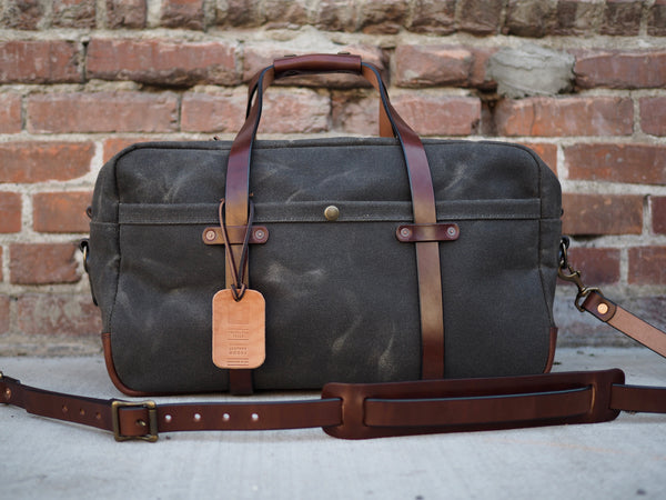 "20"" Weekender Duffle in Heavy Olive Waxed Canvas/Cacao Harness"