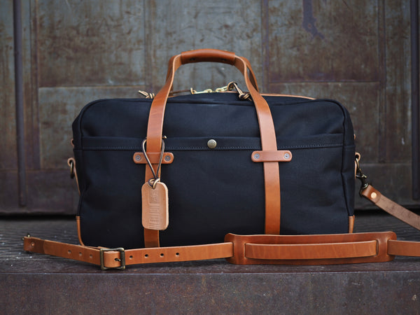 "20"" Weekender Duffle in Black Dry Wax Twill/Glazed Amber Harness"