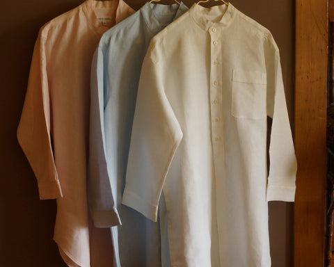 100% linen sleep shirt with long sleeves and Nehru collar. White, pink or blue.