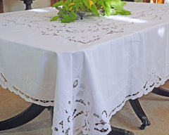 dining tablecloth in embroidered white linen.