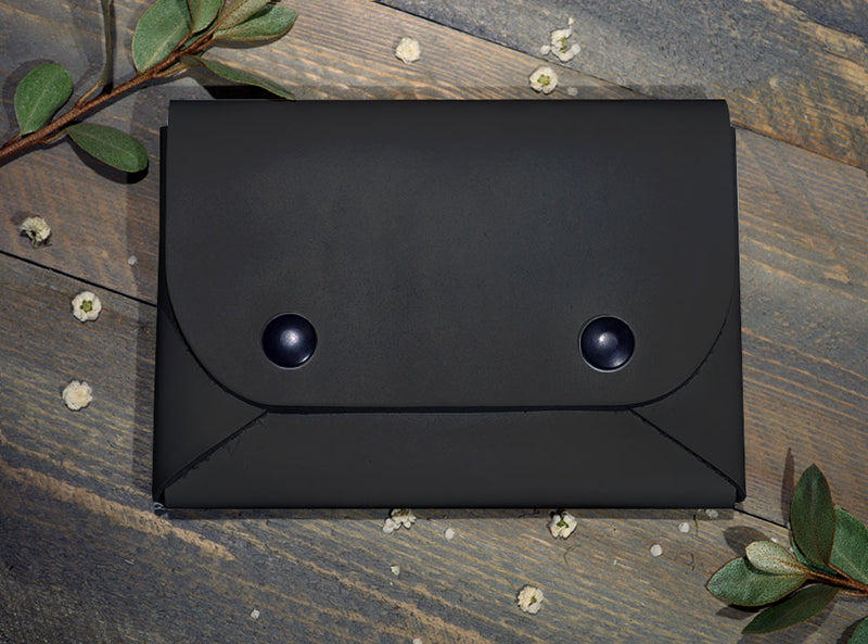 Black - Midi Travel Wallet