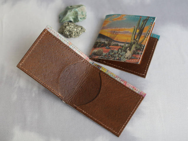 Lion - Minimal Leather Bifold