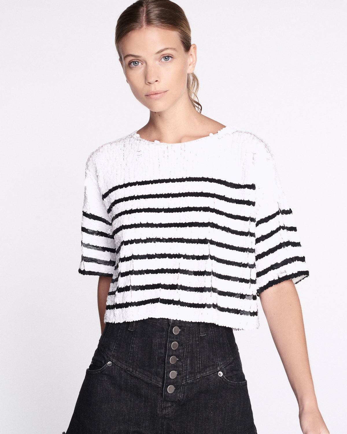 Deandra Sequin T-Shirt Top in White & Black