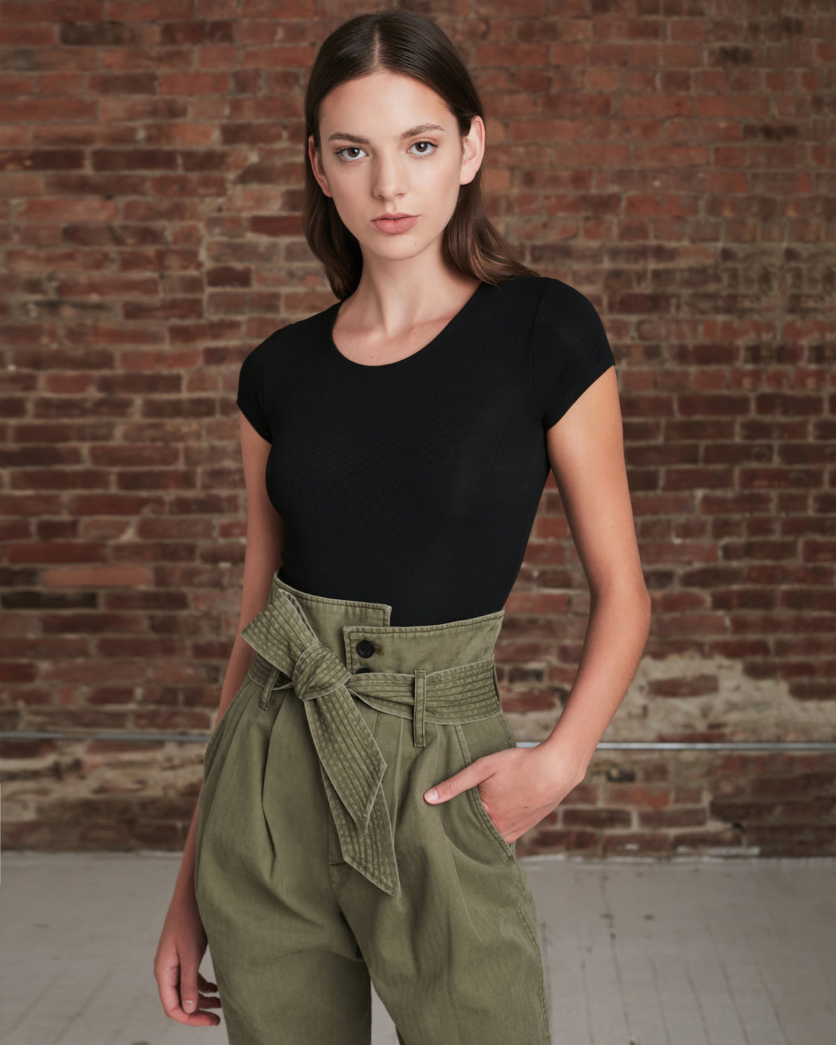 Piper Pegged Leg Pant in Military Green
