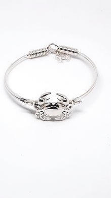 CRAB LOVERS BANGLE BRACELET WITH DANGLE CRAB CHARM