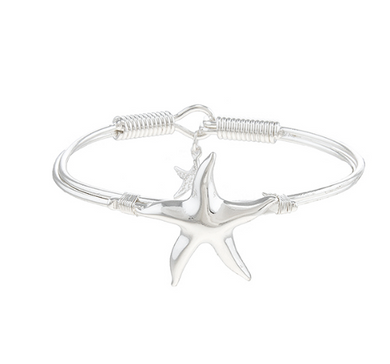 BEACH LOVERS STARFISH BANGLE BRACELET
