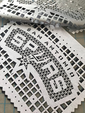 Spurs papel picado