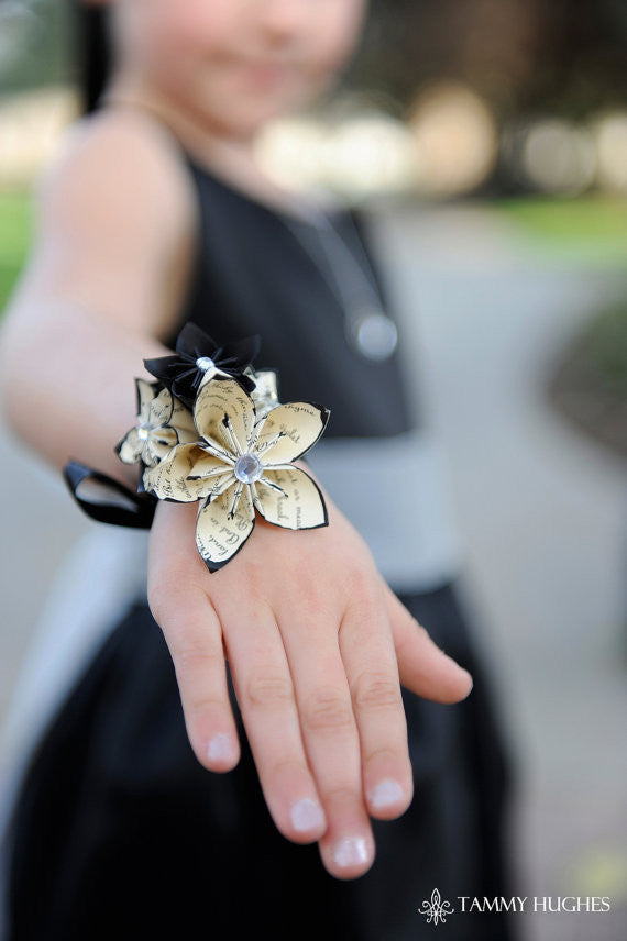 5 Flower Wrist Wrapped Corsage