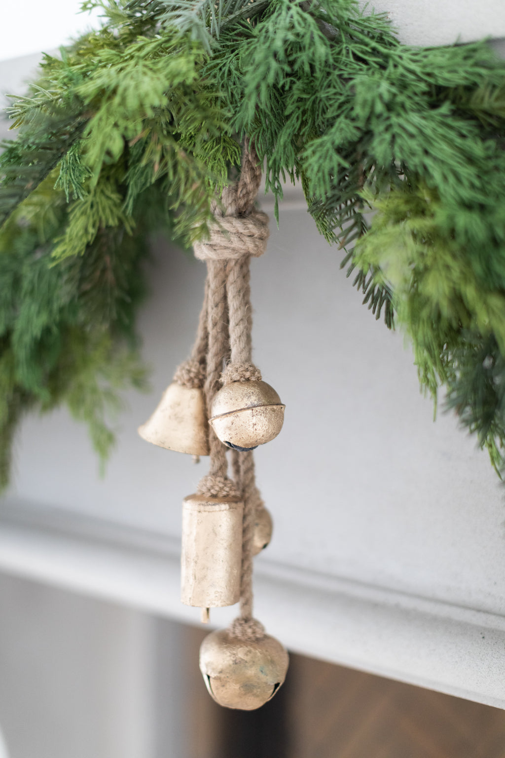 Metal Bells Jute Garland
