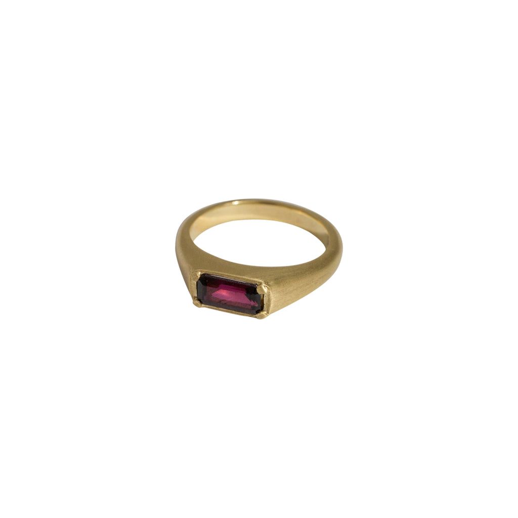 Royal Signet Ring Gold