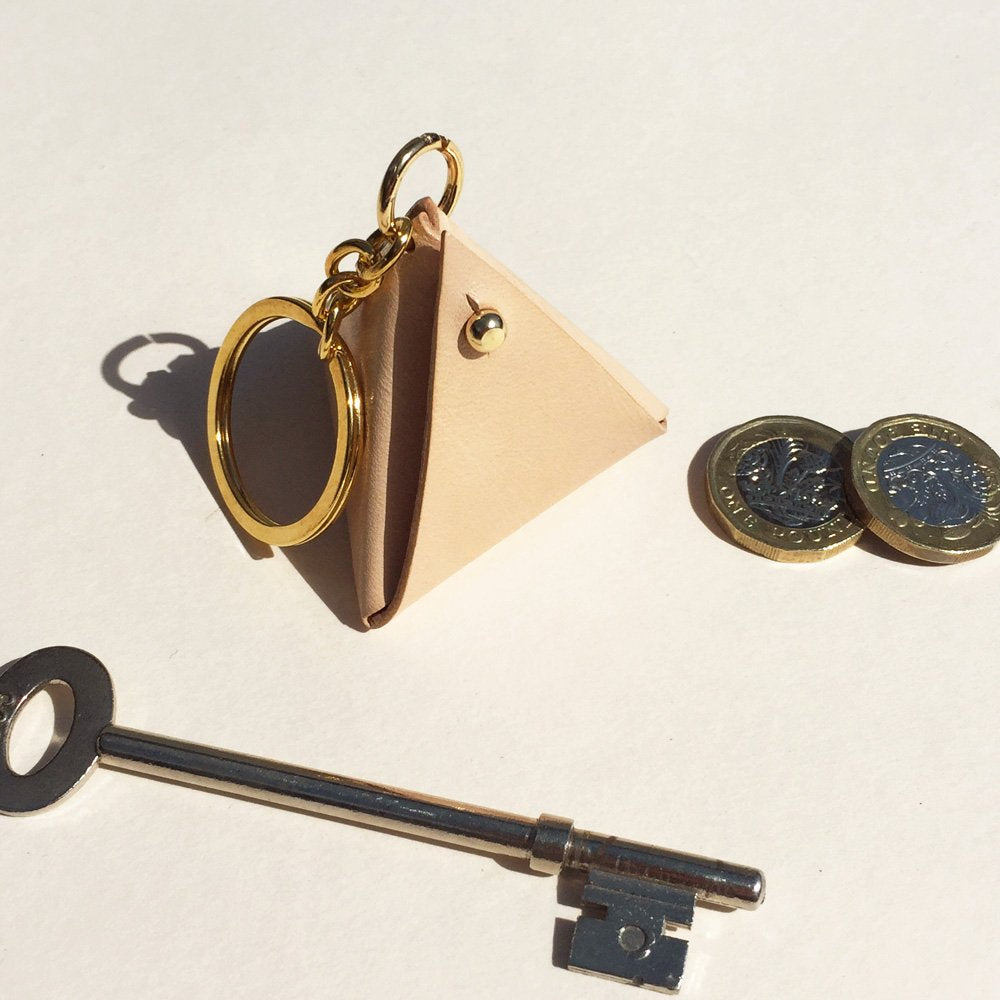Pyramidal key ring - handmade leather coin purse key chain