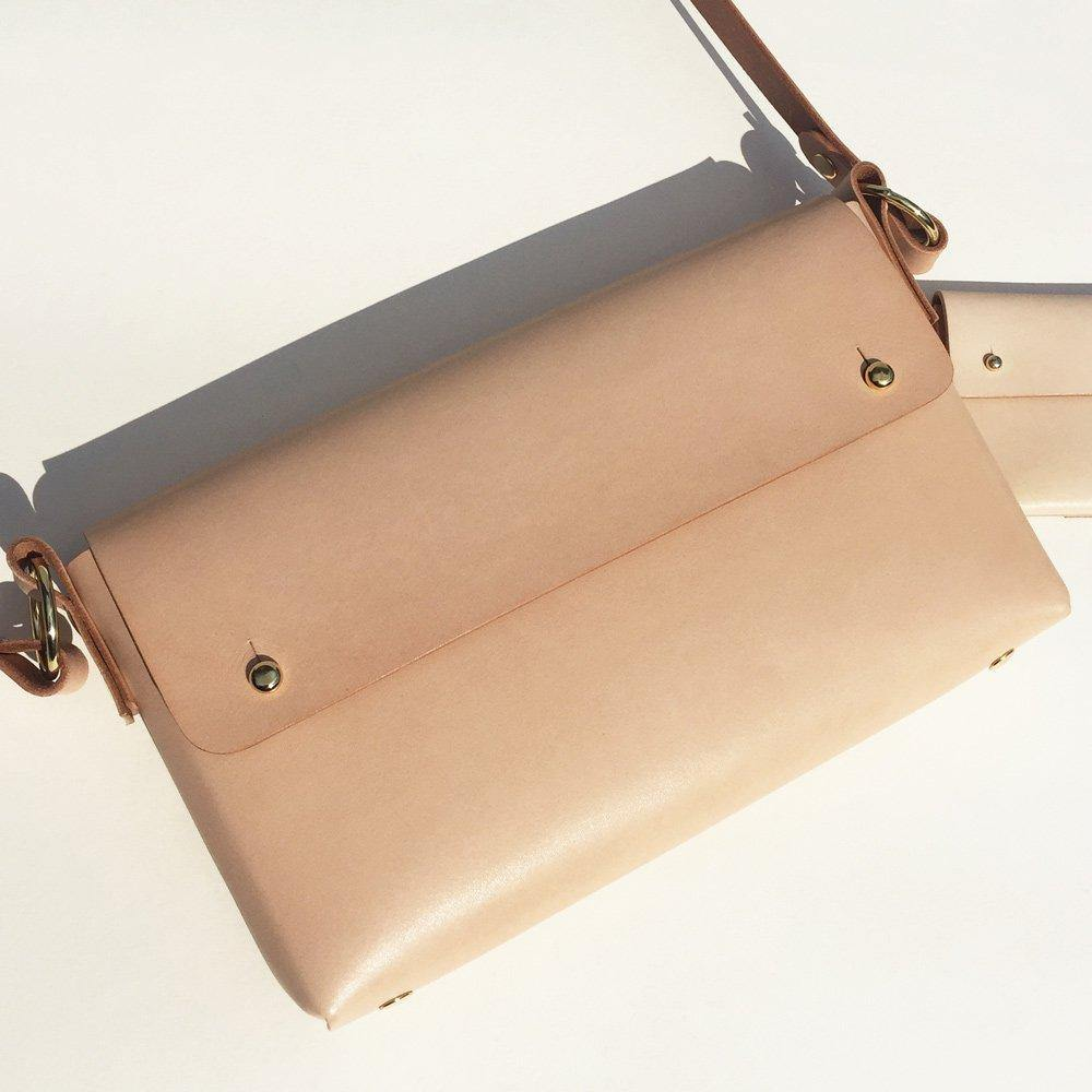 MARA folded handmade leather cross-body bag - Natural / Nude