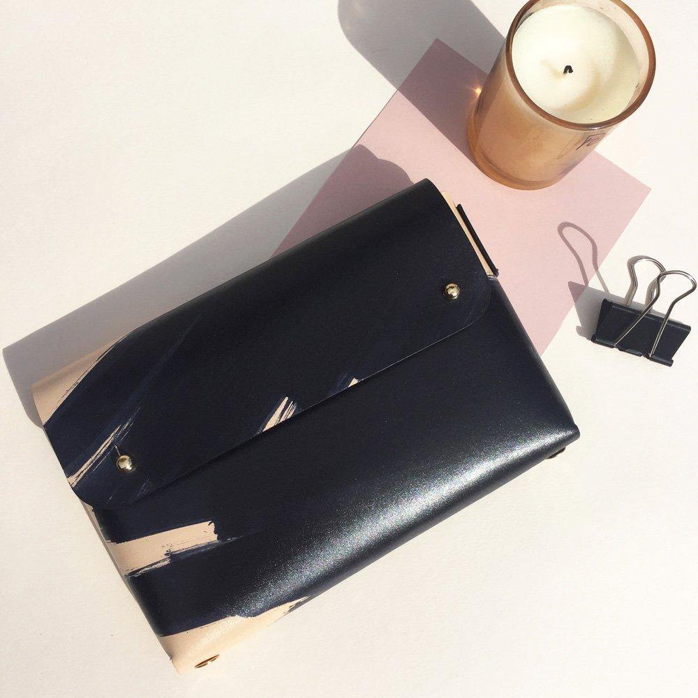 MONA Handmade folded leather pouch - Ink Brushed