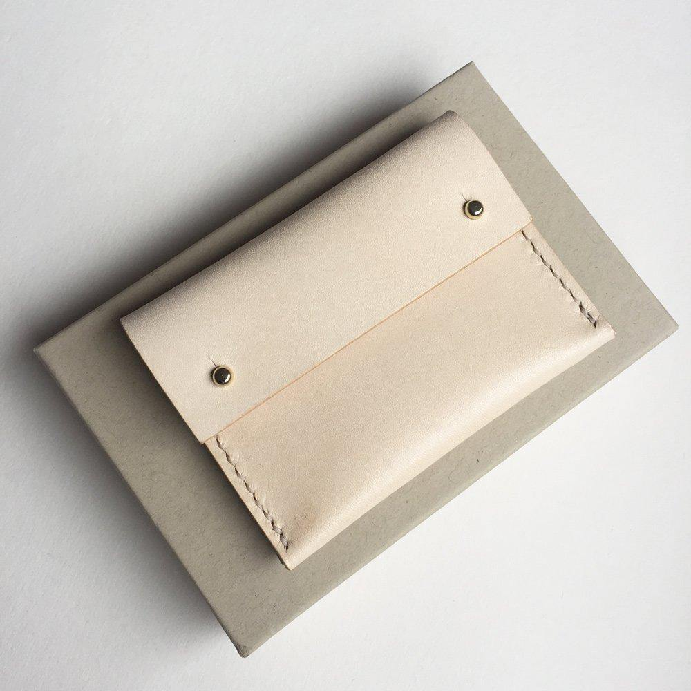 MAYA Handmade small leather wallet / card holder with coin pocket - Natural