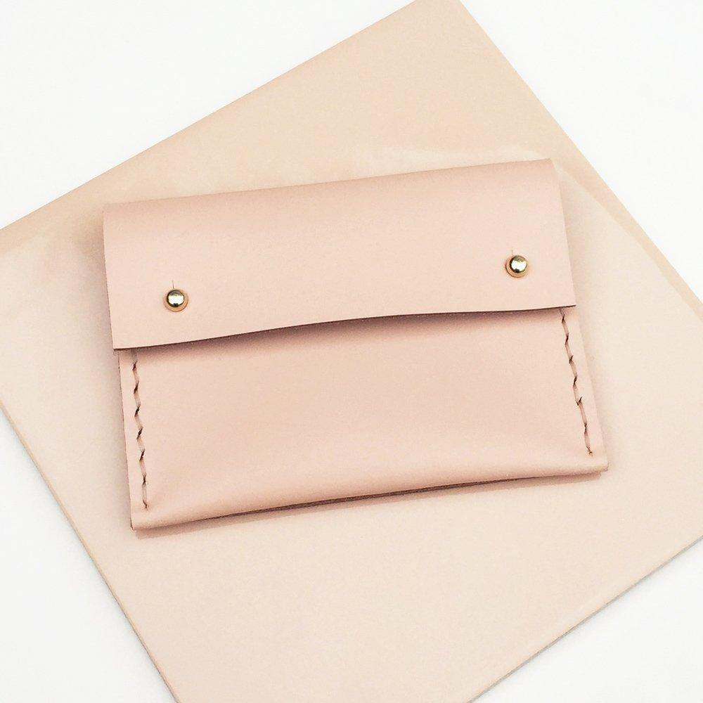 MAYA Handmade small leather wallet / card holder with coin pocket - Light Pink / Peach