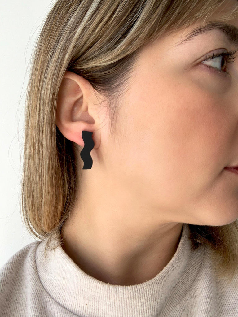 ARIA acrylic stud earrings - Matte Black