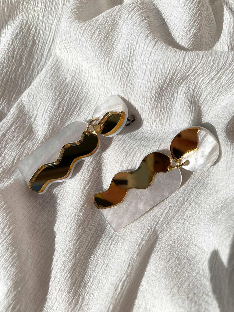 CALATA statement drop earrings - Mirror Gold & White Pearl