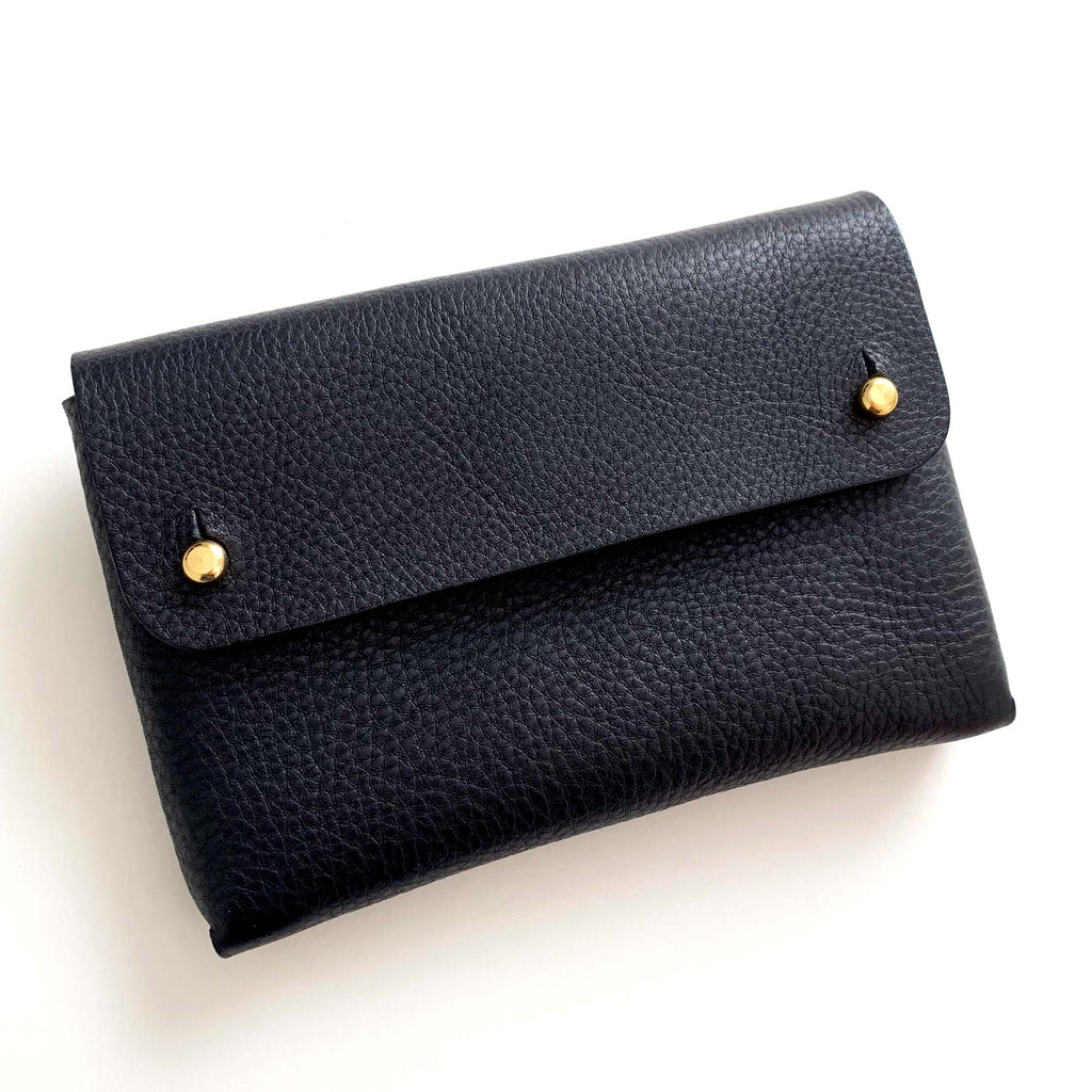 MONA handmade leather pouch - Grained Black - front view