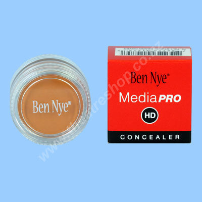 Concealer <br>Studio Beard Cover