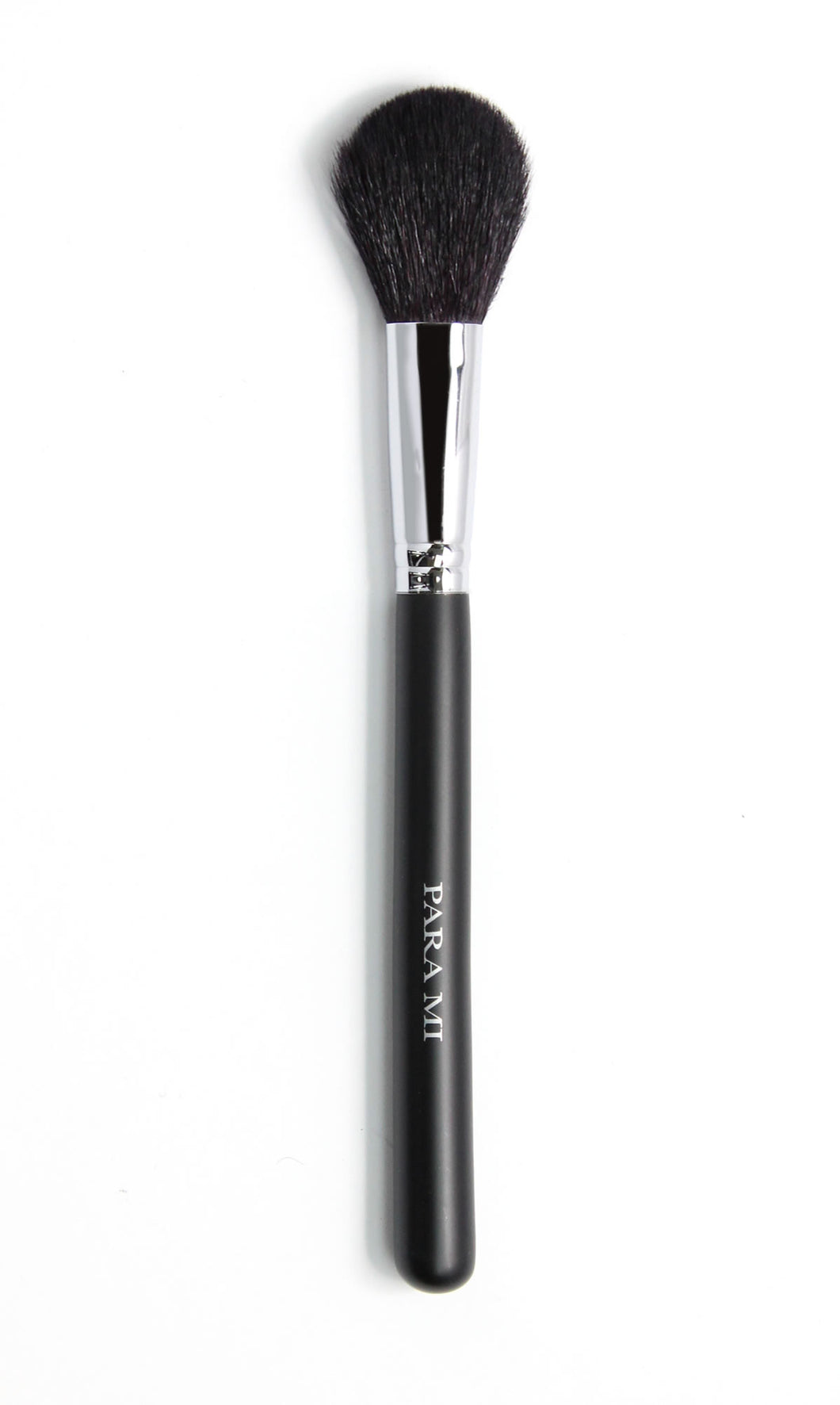 Blush Brush 563, a black and chrome brush, about 10 inches long  with the PARA MI logo printed on the handle.