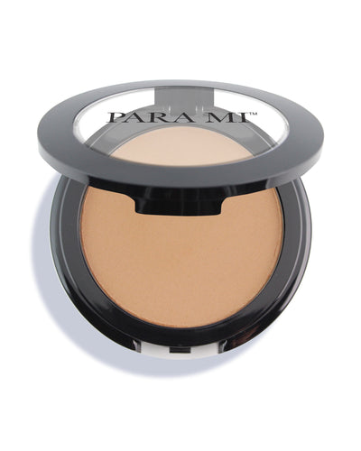 PARA MI Bronzer in a black Compact with the PARA MI Logo on the clear window on the lid