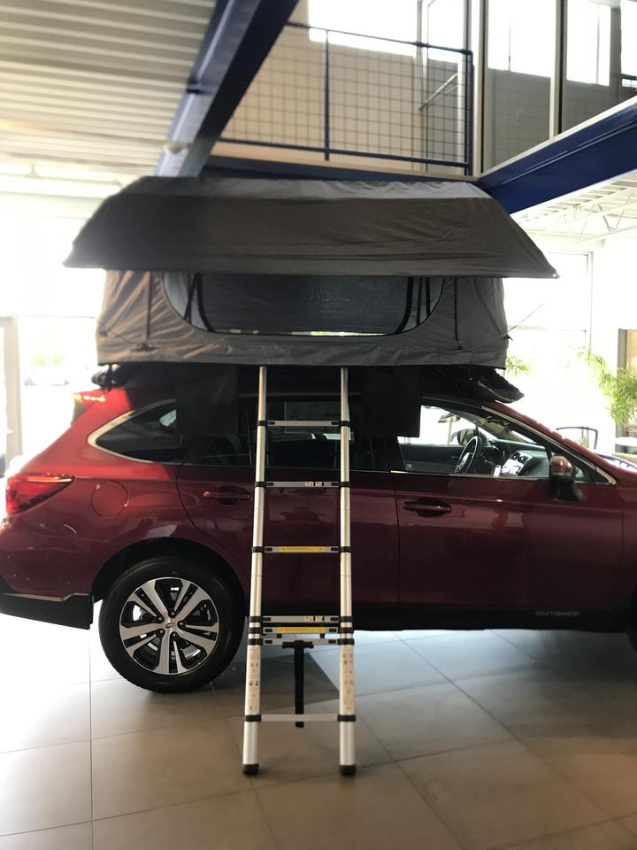 Hutch Daly 2 with Skylights Roof Top Tent