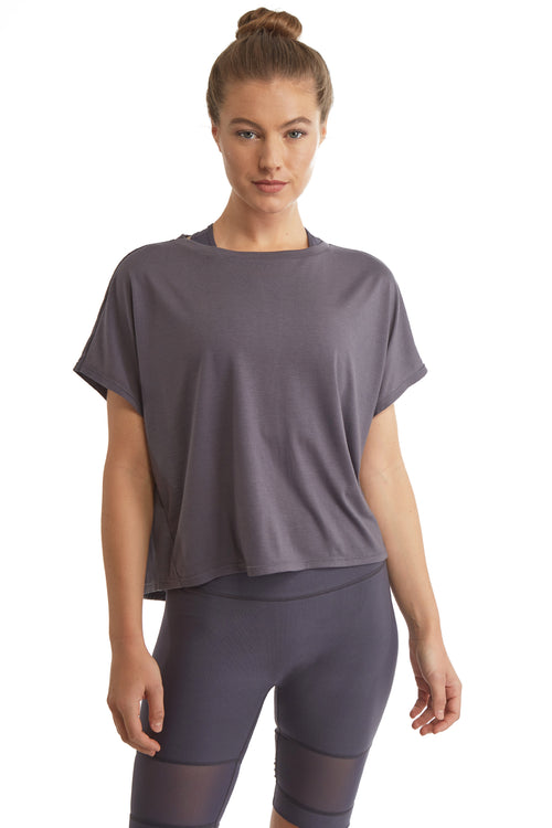 SHORT SLEEVE PULL OVER TOP WITH OPEN BACK-RABBIT