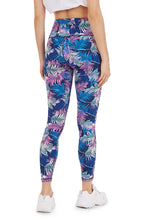 Load image into Gallery viewer, CENTER 7/8 LEGGING IN PASTEL LEAVES
