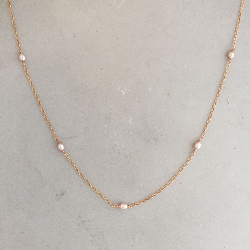 Rebecca little pearl necklace