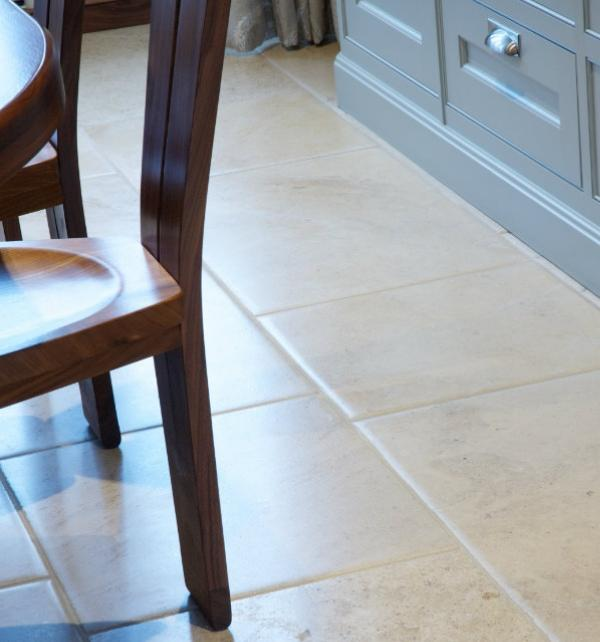Neranjo Limestone Distressed
