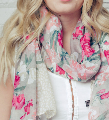 Pretty Floral Design Scarf - Grey