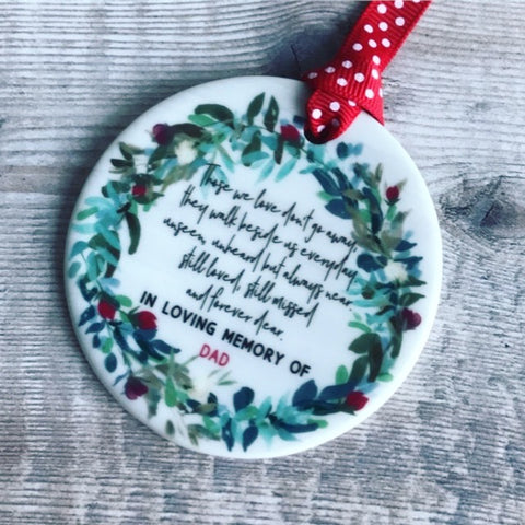 Personalised Memorial Those we Love Wreath Round Ceramic Tree Hanger Decoration Ornament